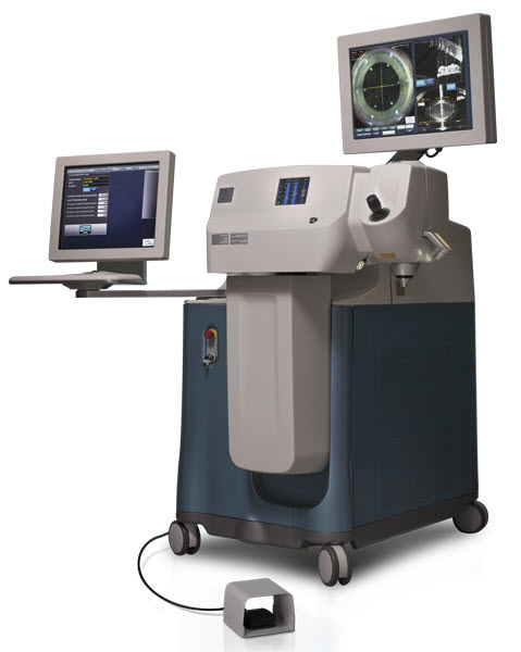alcon_cataract_lensx_equipment